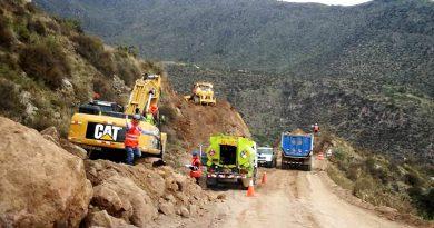 Consorcio Vial del Sur acelera trabajos para asfaltado de vía San Juan- Omate- Puquina