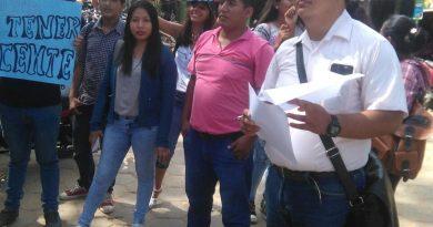 Estudiantes protestan por falta de docentes en Universidad de Madre de Dios