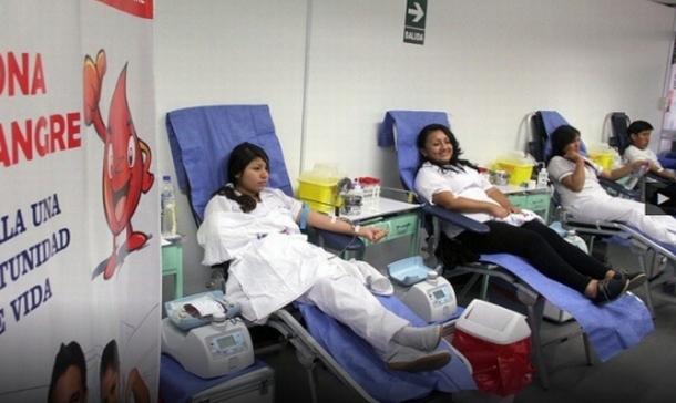 Por el día del Donante de Sangre rinden homenaje a donadores, médicos incentivan buena práctica