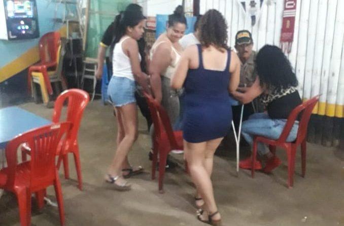 Tumbes: Intervienen a ocho venezolanas indocumentadas trabajando en bares