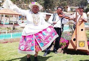 """Lambayeque: Pensión 65: Un total de 383 adultos mayores lucieron talento artístico y acervo cultural en concurso """"Canto al Bicentenario"""""""